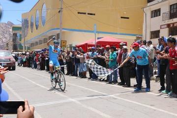 Arando impone su ritmo en la Vuelta a Potosí de Ciclismo