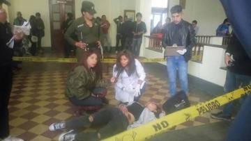Simulan una muerte en la Universidad para práctica