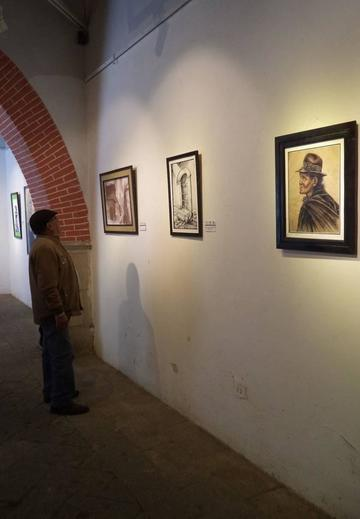 Artistas potosinos exponen obras con técnica del dibujo
