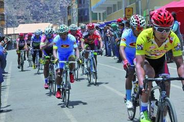 La Vuelta Internacional a Potosí de Ciclismo llega a su fin hoy en Cotagaita