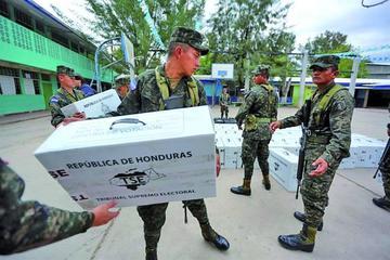 Honduras define la continuidad de Hernández o cambio por voto