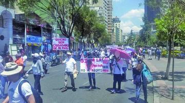 Marcha contra el aborto llega a La Paz y suma el apoyo de religiosos