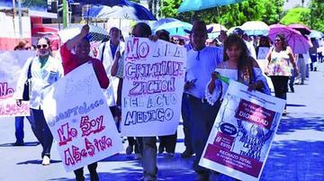 Médicos mantienen huelga tras la suspensión del diálogo de ayer