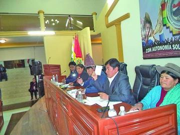 Aprueban la firma de convenio para una obra de agua en Tupiza