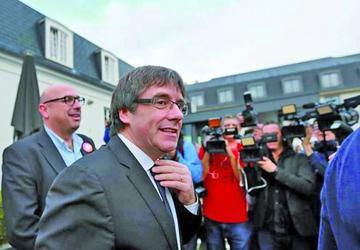 Puigdemont prioriza diálogo sin renunciar a la independencia