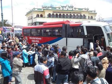 La UATF inicia el servicio del transporte universitario con cuatro buses