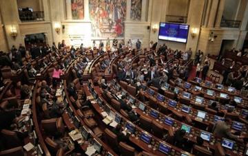 El Senado de Colombia aprueba la ley de la justicia especial de paz