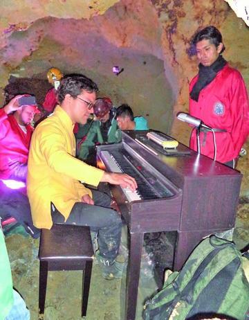 Interpretan una ofrenda dentro del Cerro Rico