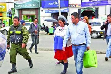 Ordenan detención domiciliaria para la exministra Julia Ramos