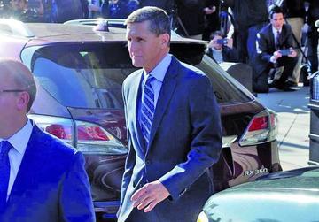 Exasesor de Trump admite que le mintió al FBI sobre los rusos