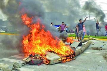 Honduras se tensiona por duda electoral y reportan un muerto