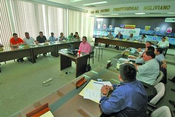 Veedores de la FIFA se reunirán con candidatos y comité electoral