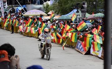 Presentan el rali Dakar 2018 en Sucre