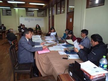 Hay 89 postulantes para las 32 direcciones distritales de Potosí