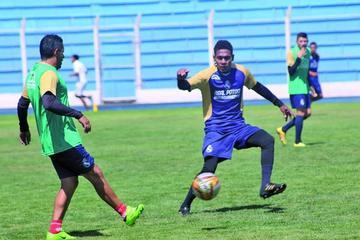Yecerotte, Salazar y Gareca son bajas para el partido