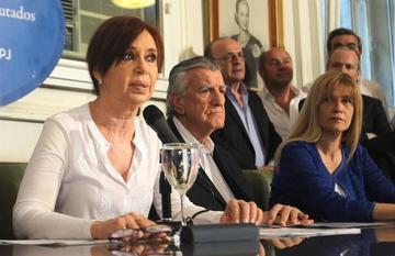 Piden el desafuero de Cristina Fernández para llevarle a juicio