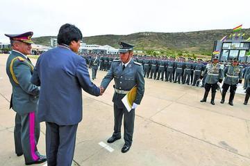 Evo pide a sargentos ayudar con la liberación tecnológica