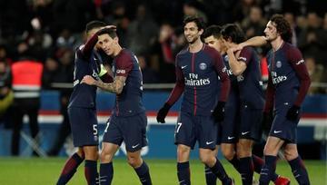 PSG gana y consolida su liderato en Francia