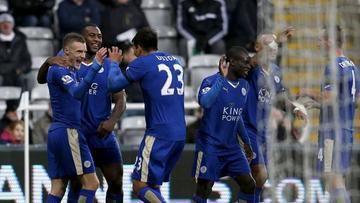 Los jugadores festejan el triunfo.