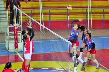 Potosí no levanta vuelo en el nacional de voleibol