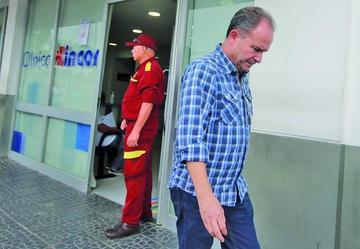 Justicia autoriza viaje de Carlos Chávez