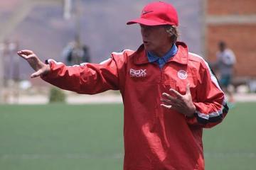 Nacional ratifica como técnico a Ángel Pérez
