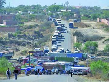El transporte pesado rechaza Código Penal y amenaza con bloqueos