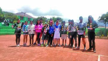 Deportistas se consagran campeones en el Torneo Departamental de Tenis G3