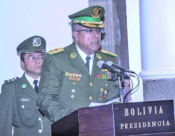 Faustino Mendoza asume como nuevo comandante de la Policía