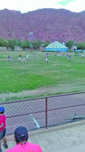 Torneo de fútbol de los residentes tupiceños tiene a nueve planteles