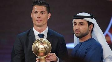 Cristiano recibe el premio Globe Soccer