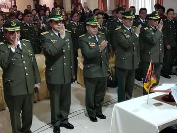 Comandante general posesiona al nuevo Estado Mayor Policial