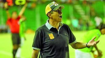 José Peña da luz verde a jugadores extranjeros