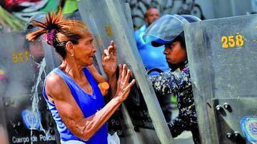 Protestas por falta de alimentos siguen en ciudades de Venezuela