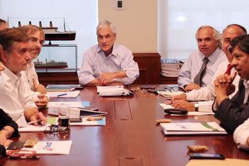 Piñera recibe propuestas para configurar su Gobierno en Chile