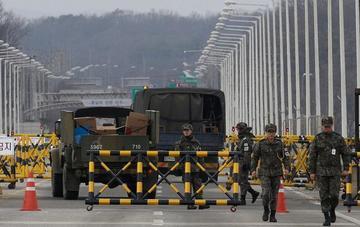 Corea del Sur y EE.UU. pactan posponer maniobras militares