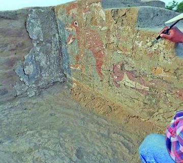 Descubren un recinto prehispánico en Perú