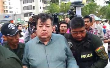 Arrestan al exalcalde Castellanos por conducir en estado de ebriedad