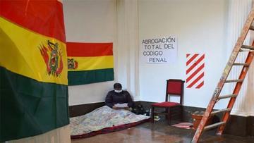 Legisladores de oposición inician huelga de hambre