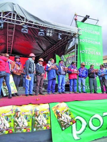 Arranca la fiesta del Carnaval Minero