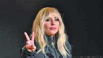 Lady Gaga pisa con fuerza en primer concierto de gira