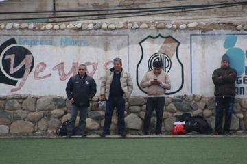 La banda roja jugará un partido amistoso contra Universitario, de Sucre