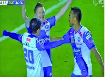 Chumacero anota su primer gol en México