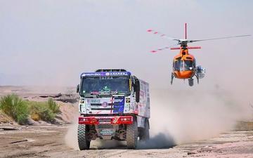 El argentino Federico Villagra lidera en camiones