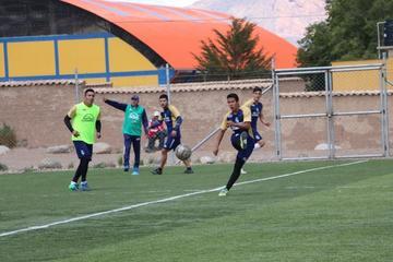Maygua fortalece el trato del balón en Real Potosí