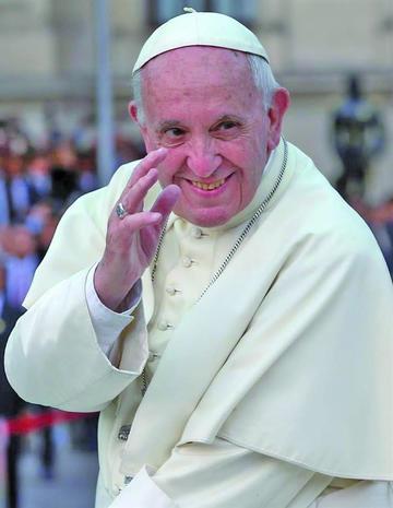 Papa denuncia injusticia contra indígenas y las mujeres en Perú