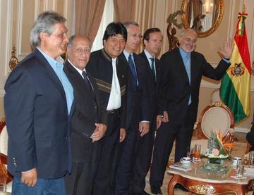 Evaluarán convocar a expresidentes para abordar la demanda marítima