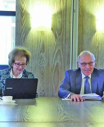 Piñera ratifica a sus agentes ante La Haya por la demanda del mar