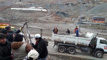 Gobernación de Potosí apoya obras en el colegio Padilla