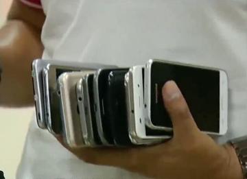 Estafan a choferes y se llevan ocho celulares